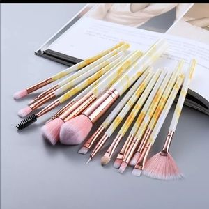New 15Pcs Makeup Brushes yellow Tool Set Cosmetic